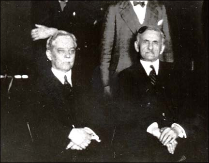 Dayton Miller (left) with Irving Michelson (right).